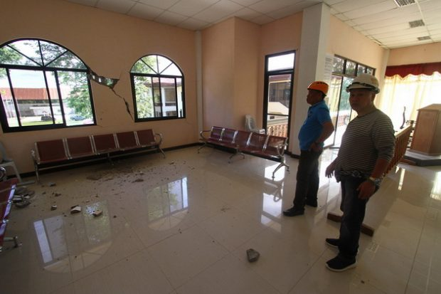 Kalilangan Mayor Omaradji Pizarro showed to the media the damage inside the legislative building. © Keith Bacongco