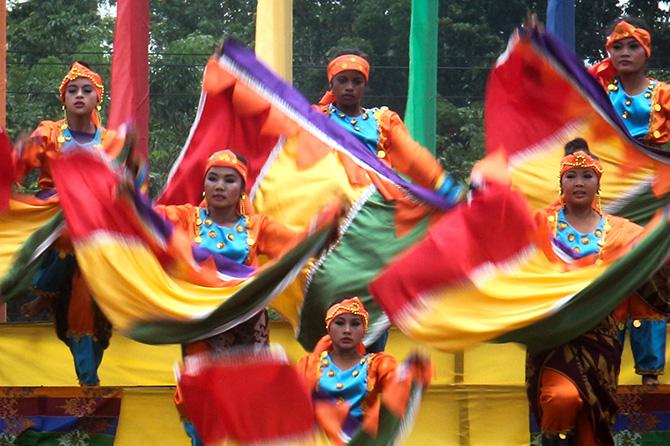 Kalivungan Festival: Street Dancing