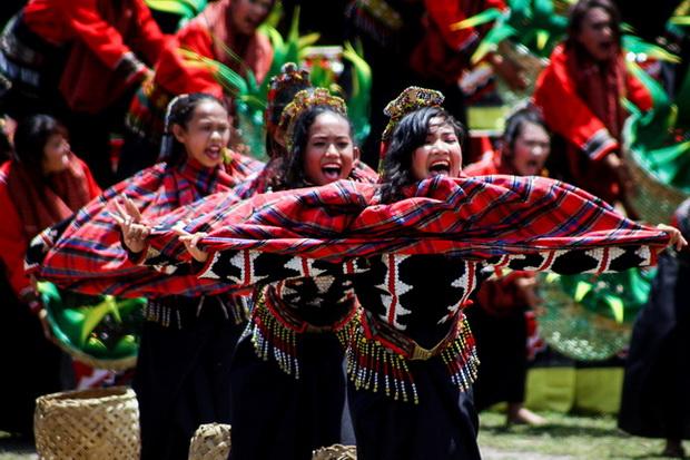 T'nalak Festival: Street Dancing